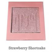 Пудра Kylie Pressed Illuminating Powder Strawberry Shortcake 9.5 g